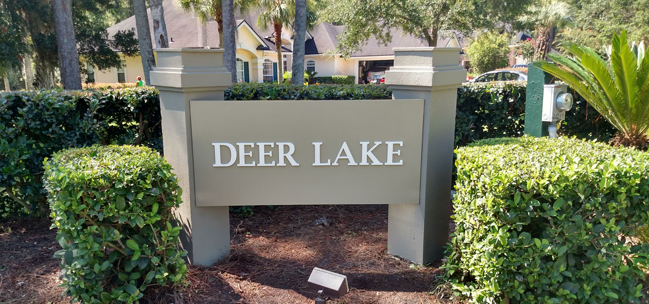 deer-lake-sign